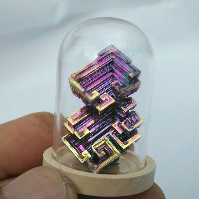 عکس بیسموت در جعبه شیشه ای