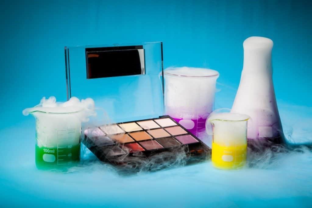 کاربرد هیدروکینون در مواد آرایشی
