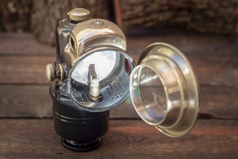 لامپ کاربیدی